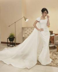 ITA 2017: Ayu Ting Ting Tampil Cantik dan Elegan dalam Balutan Gaun Bernuansa Putih