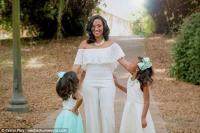 Tampil <i>Pede</i>, Pengantin Wanita Ini Tidak Tutupi Tanda Lahirnya yang Besar saat Menikah