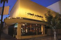Kebijakan Restoran Ini Tutup Selama 2 Minggu Jadi Viral, Alasannya Bikin <i>Netizen</i> Haru