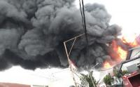 Kebakaran Pabrik Tiner di Tangerang Akibat Sambaran Petir