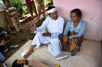 Nenek Penjual Gorengan Bikin Dedi Mulyadi Geleng-Geleng Kepala