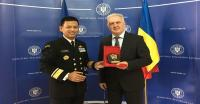 Dekan FMP Unhan Berikan Kuliah Umum di Rumania National Defence University