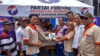 Kejutan 'Jalan Sehat', Perindo Bagikan 250 Paket Beras Gratis di Pemalang