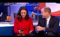 Saat Kate Middleton & Pangeran William Pamer <i>Gesture</i> Mesra, <i>So Sweet</i>