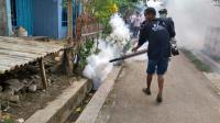Warga Dusun Sugihwaras Antusias Dapat <i>Fogging</i> Gratis dari Perindo Pemalang