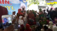 Mensos Khofifah Ajak Ribuan Anak Madura Berdoa Agar Dunia Tetap Damai
