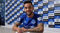 Theo Walcott Resmi Jadi Pemain Everton