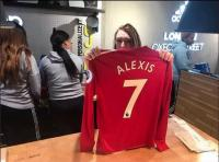 Alexis Sanchez Kenakan Nomor 7 Manchester United