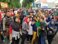 Risma dan Puti Soekarno Bikin Heboh Peserta CFD Taman Bungkul