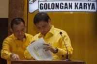 Airlangga Jamin Tak Ada 'Tekanan' di Balik Penunjukan Lodewijk sebagai Sekjen Golkar