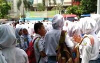 Gempa 6,4 SR di Banten, Warga Tangerang Panik hingga Menangis