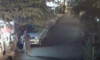 Beraksi Pagi Buta, Pencuri Mobil di Pondok Kelapa Terekam CCTV