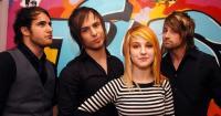 Penyesalan Paramore Tunda Konser di Indonesia