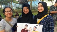 Konser Batal, Penonton Paramore Beli Poster untuk Obati Rasa Sedih