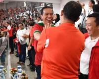 Di Balik Larangan Paspampres, Begini Momen Kekompakan Anies dan Jokowi saat Final Piala Presiden
