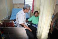 Ganjar Kunjungi Pelajar di Magelang yang Rawat Ibunya Sendirian