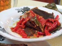 Makan Malam Semakin Spesial dengan Sajian Dendeng Balado dan Gepuk Serundeng