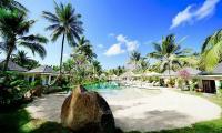 Indahnya Taman Tropikal Romantis di Jivana Lombok