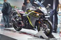 Ini Motor Touring Honda Penantang Yamaha Fazer 25
