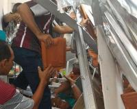 Sedang Direnovasi, Atap Bangunan RSAL Surabaya Ambruk
