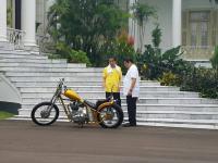 Selain Bahas Cawapres, Airlangga Juga Ngobrol soal Motor Chopper Bersama Jokowi