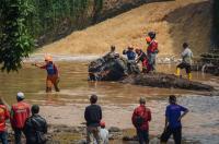 6 Fakta Banjir Cicaheum: Menyeret Puluhan Kendaraan hingga Endapan Lumpur