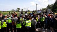 Pemasangan Pagar Bandara NYIA Diwarnai Aksi Bentrok Polisi dengan Warga