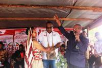 Maju di Pilgub Papua, John Wempi Minta Restu Mama-Mama Yalimo