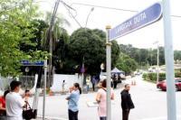 """Usai Digerebek Polisi, Rumah Najib Razak Berubah Jadi """"Tempat Wisata"""""""