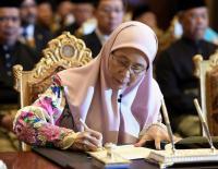 Istri Anwar Ibrahim Dilantik Menjadi Perempuan Wakil PM Pertama Malaysia