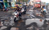 Keterbatasan Anggaran, Karawang Hanya Mampu Perbaiki 2 Km Jalan Alternatif Pemudik
