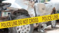 Mobil Tabrak Pohon hingga Trotoar di Serpong, 1 Tewas dan 1 Kritis