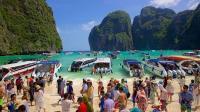 5.000 Orang Berkunjung Tiap Hari, Pantai May Bay Ditutup selama 4 Bulan
