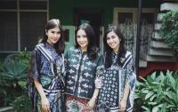 Unik-Unik, Lihat Deh Baju Para Selebriti Ini di Hari Raya Idul Fitri