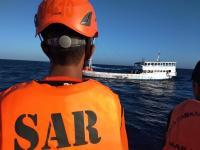 Basarnas Temukan Puluhan Orang Terombang-ambing di Lautan