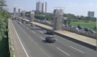 Lalu Lintas Tol Jakarta-Cikampek Kedua Arah Ramai Lancar