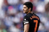 Messi Sarankan Barcelona untuk Fokus Incar Goncalo Guedes ketimbang Salah