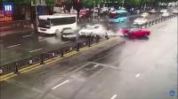 Ferrari Sewaan Hancur Lepas Keluar Diler
