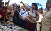 Menteri Susi: Saya Tenggelamkan 363 Kapal , Semoga Pencuri Ikan Tidak ke Sini Lagi