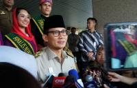 Anies Copot Wali Kota Jaktim via WhatsApp, Sandiaga: Zaman <i>Now</i>