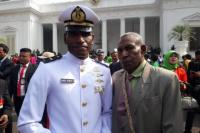 Kisah Daniel Robert, Anak Petani Papua yang Lulus Akademi Angkatan Laut