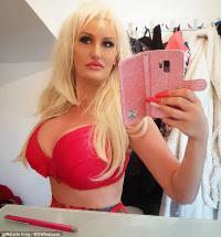Fans Barbie, Wanita Ini Besarkan Ukuran Payudara 34G dan Wajah Mirip Pamela Anderson