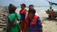 Terombang-Ambing di Laut, Nelayan Ini Berhasil Diselamatkan Tim SAR