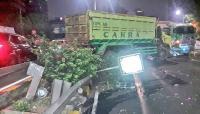 Sopir dan Penumpang Taksi Tewas Akibat Tabrakan Beruntun di Tol Slipi