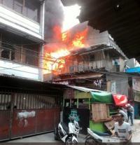 Kebakaran Permukiman Padat Penduduk di Krendang Tambora, 10 Rumah Hangus