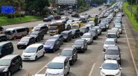 Perbaikan Jalan Bikin Macet di Tol Jakarta-Cikampek, Pengendara Diminta Hati-Hati