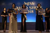 SPG Cantik Vivian Dinobatkan sebagai Miss Auto Show 2018