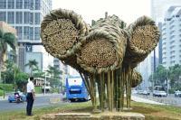 """Sambut Asian Games 2018, Seni Bambu """"Getah Getih"""" Percantik Bundaran HI"""