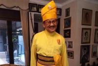Pakai Baju Adat Melayu Berwarna Kuning, Penampilan Habibie Paling Curi Perhatian di Istana Negara
