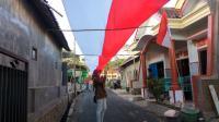 Bendera Merah Putih 'Raksasa' di Malang Jadi Objek Foto <i>Selfie</i>